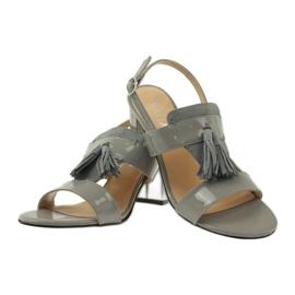 Sandały z frędzelkami Sagan 53224 szare 3