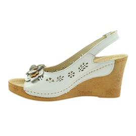 Sandały Na Koturnie Gregors 648 białe 2