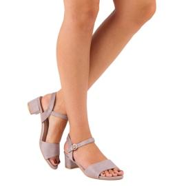 Ideal Shoes Zamszowe sandały na niskim obcasie fioletowe 2