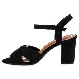Wygodne sandały na słupku czarne 3