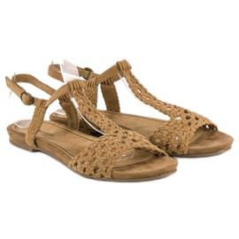 Corina Materiałowe sandały płaskie brązowe 4