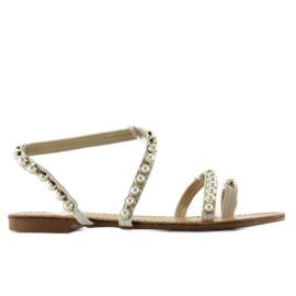 Sandałki asymetryczne z perełkami 1248 białe 1