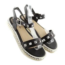 Sandałki z ćwiekami czarne 35-132 black 5