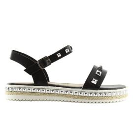 Sandałki z ćwiekami czarne 35-132 black 6