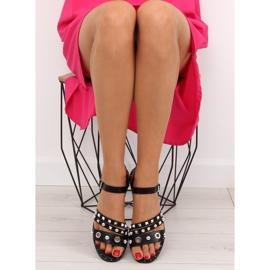 Sandałki na płaskiej podeszwie czarne 99-19 2