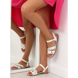 Sandałki na płaskiej podeszwie białe 99-19 White 6