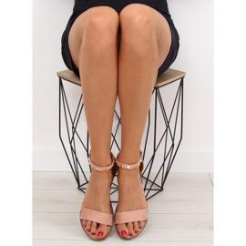 Sandałki z ćwiekami różowe 117-11 pink 2