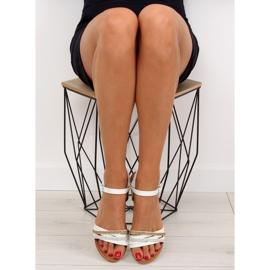 Sandałki damskie białe 620-29 white 5