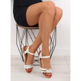 Sandałki damskie białe 620-29 white 1