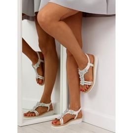 Sandałki damskie bardzo wygodne białe 981 1