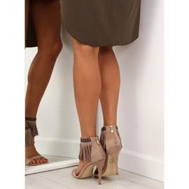 Sandałki z frędzlami etniczny wzór GD-16-5247 Beige beżowy 2