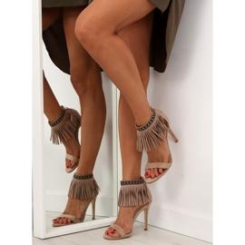 Sandałki z frędzlami etniczny wzór GD-16-5247 Beige beżowy 5