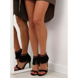 Sandałki z frędzlami etniczny wzór GD-16-5247 Black czarne 6