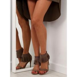 Sandałki z frędzlami etniczny wzór GD-16-52 brązowe 6