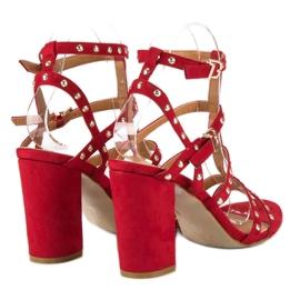 Bestelle Czerwone sandały na słupku 6