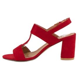 SDS Czerwone sandały na słupku 5