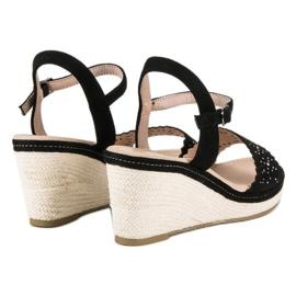 Ideal Shoes Czarne espadryle na koturnie 2