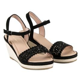 Ideal Shoes Czarne espadryle na koturnie 3