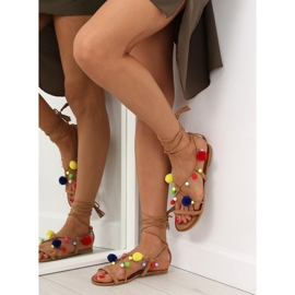 Sandałki z pomponami camel 6009 camel brązowe 1