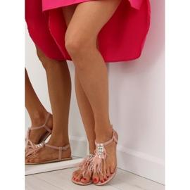 Sandałki z piórkami różowe 7267 Pink 3