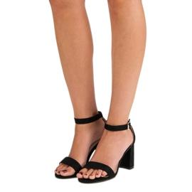 Diamantique Zamszowe sandały na słupku czarne 2