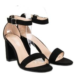 Diamantique Zamszowe sandały na słupku czarne 1