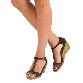 Corina Brązowe sandałki na koturnie 3