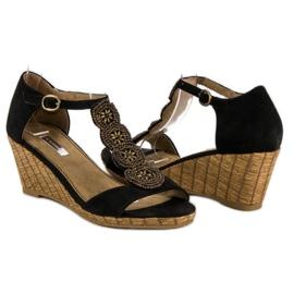 Corina Ozdobne sandały na koturnie czarne 1