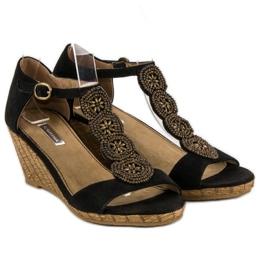 Corina Ozdobne sandały na koturnie czarne 2