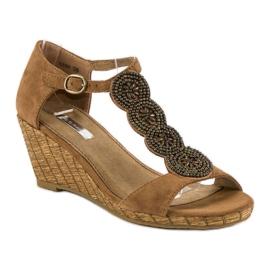 Corina Ozdobne sandały na koturnie brązowe 4