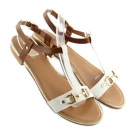 Sandałki na płaskiej podeszwie białe 9871 White 4