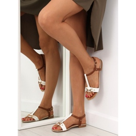 Sandałki na płaskiej podeszwie białe 9871 White 6