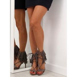 Sandałki na obcasie z frędzlami 8125 Grey szare 4