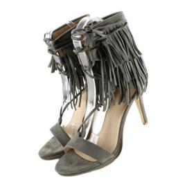 Sandałki na obcasie z frędzlami 8125 Grey szare 2