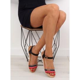 Sandałki na płaskiej podeszwie czarne J1024-A5 Black 1