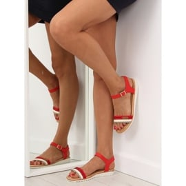 Sandałki na płaskiej podeszwie czerwone J1024-A5 Red 2