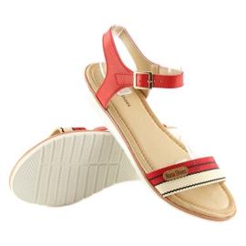 Sandałki na płaskiej podeszwie czerwone J1024-A5 Red 3