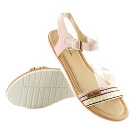 Sandałki na płaskiej podeszwie różowe J1024 3