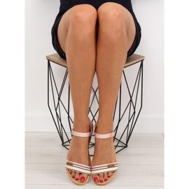 Sandałki na płaskiej podeszwie różowe J1024 4