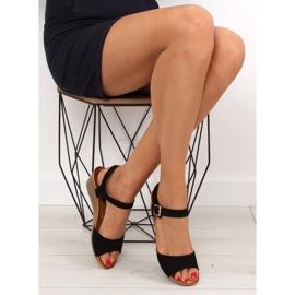 Sandałki na niskim koturnie czarne LS-89015 1
