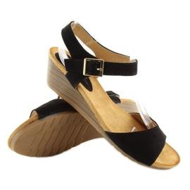 Sandałki na niskim koturnie czarne LS-89015 4