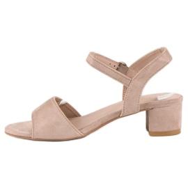 Ideal Shoes Zamszowe sandały na niskim obcasie brązowe 3