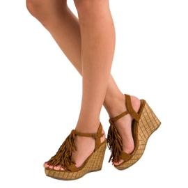 Corina Brązowe sandały z frędzlami 1
