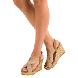 Corina Casualowe sandały na koturnie brązowe 1