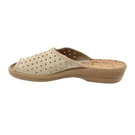 Befado obuwie damskie kapcie klapki 581d169 brązowe 2