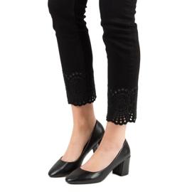 Ideal Shoes Klasyczne Czarne Czółenka 1