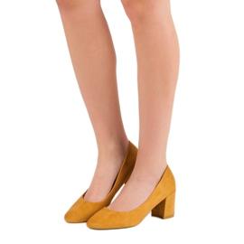 Ideal Shoes Musztardowe Czółenka Na Słupku żółte 3