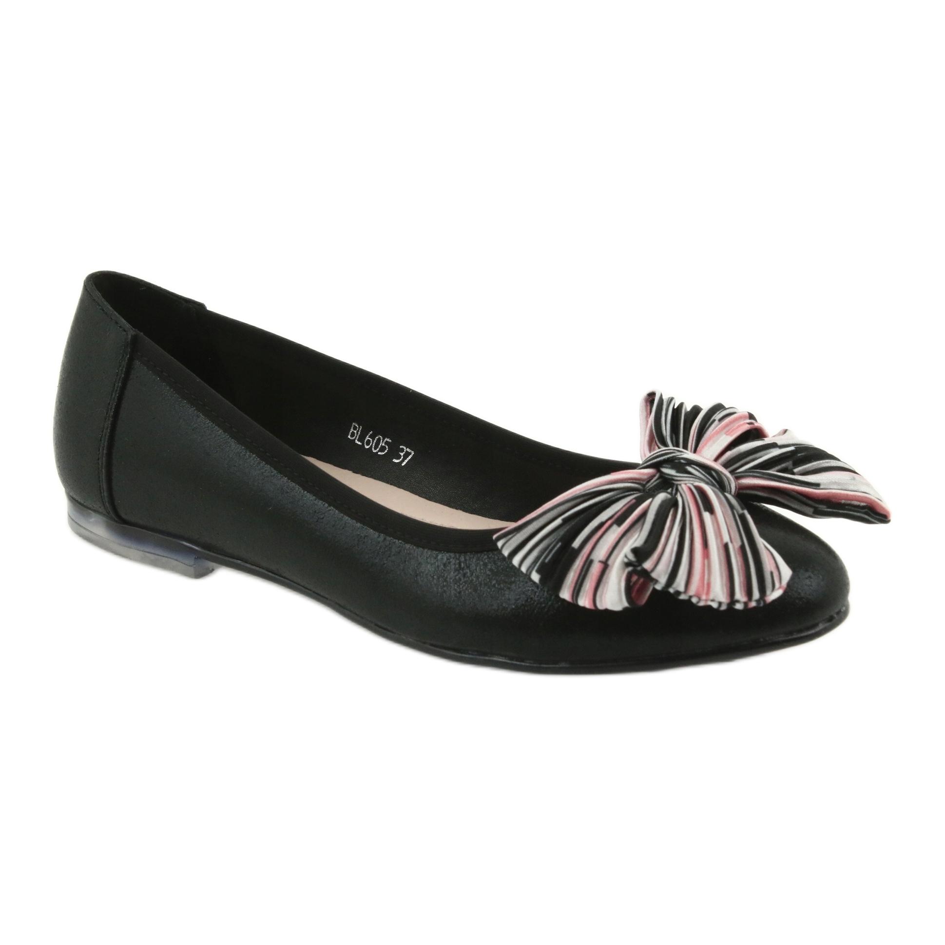 b1fd3dce7c8a71 Czarne Baleriny buty damskie z kokardą Sergio Leone 605 - ButyModne.pl