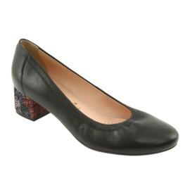 Czółenka buty damskie skórzane Arka 5627 czarne 1