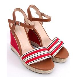 Sandałki na koturnie czerwone 9068 Red 1